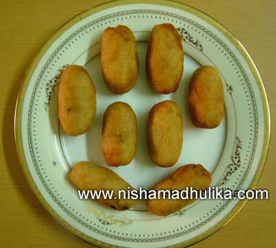 Bread roll recipe nishamadhulika bread rolls are easy to make and even tastes good you can make them for your family members on holidays and weekly offs bread rolls are considered to be forumfinder Gallery