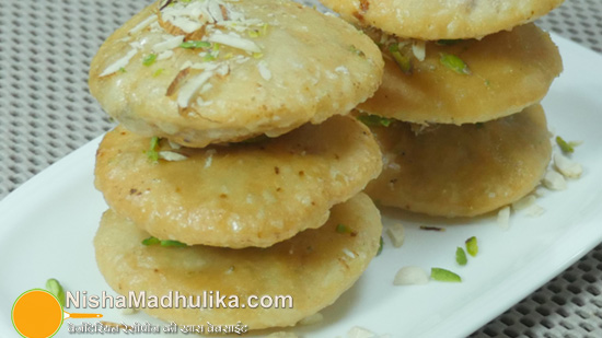 Delicious indian recipes in english language nishamadhulika rajasthani mawa kachori forumfinder Images