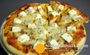 पनीर अचारी पिज़्ज़ा - Paneer Pickle Pizza